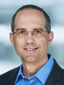 Peter Gassmann, Twitter @pegassmann